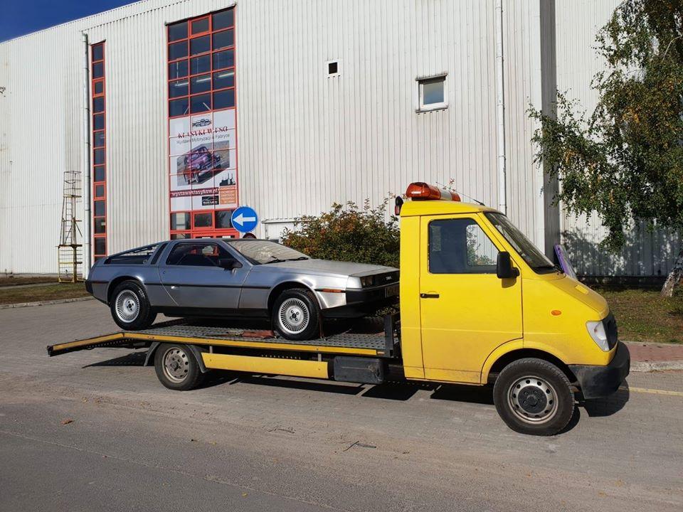 Lublin z DeLorean DMC-12