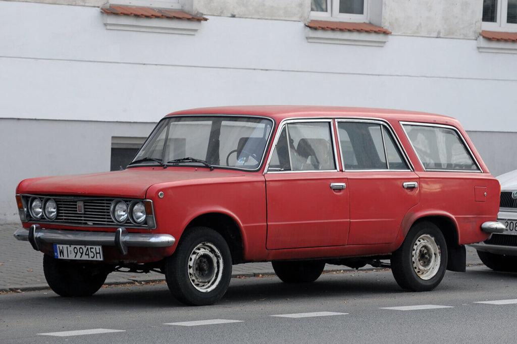 Pierwsza seria Polskiego Fiata 125p kombi