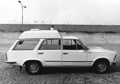 Polski Fiat 125p sanitarka
