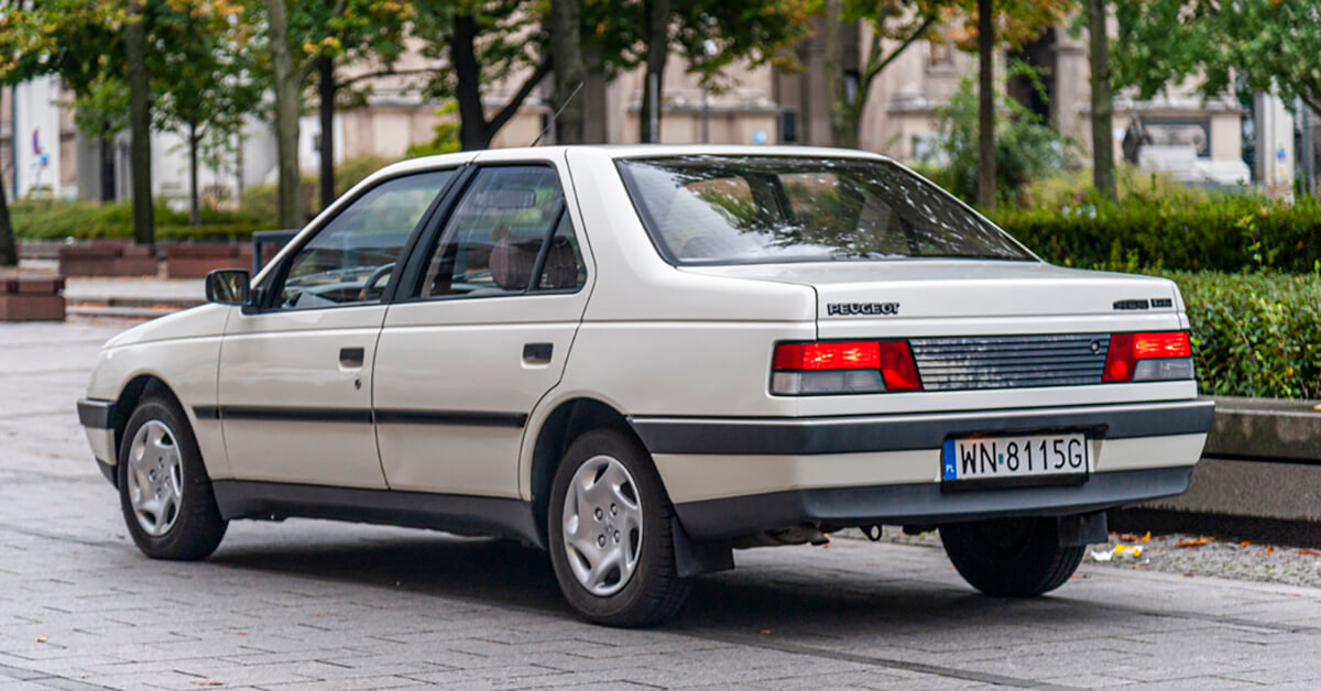 Read more about the article Peugeot 405 Lew z Lublina – biednie ale jednak wygodnie